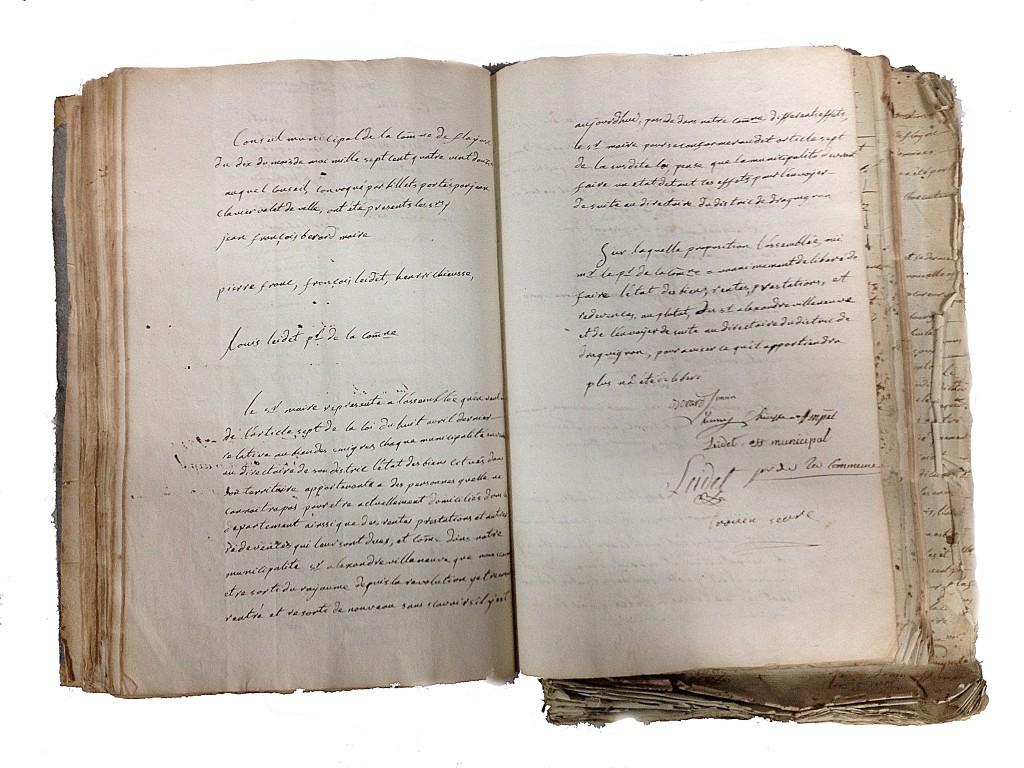 Compte rendu du conseil municipal à propos des biens des Villeneuve (10 mai 1792)