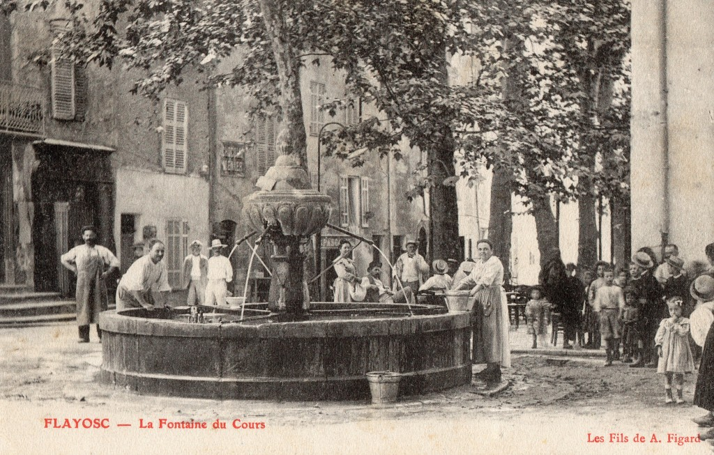 LA FONTAINE DE LA PLACE DE LA REPUBLIQUE EN 1905